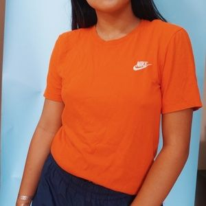Nike vintage orange tshirt